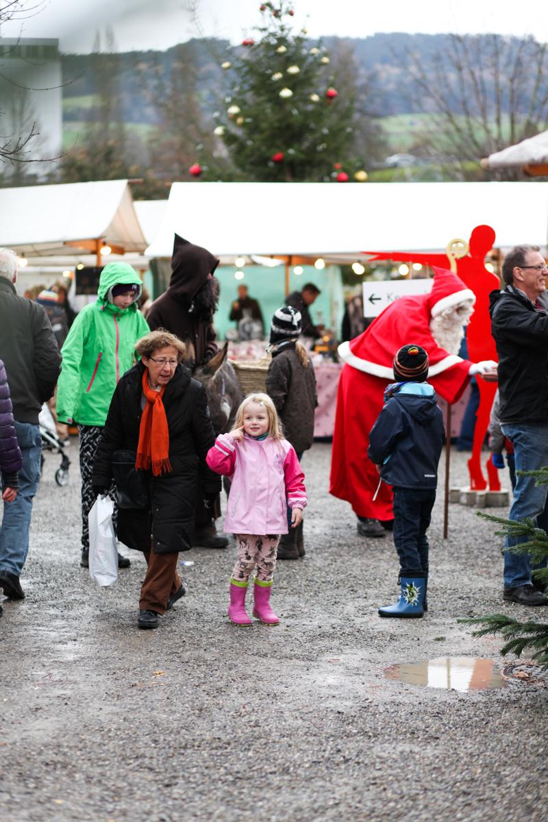 Weihnachtsmarkt_Raiffeisen_schöniaugeblick_fotografie_ostschweiz_weihnachtsmarkt_Markt_sterne_advent-1