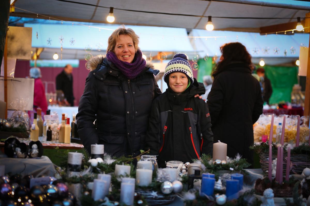 Weihnachtsmarkt_Raiffeisen_schöniaugeblick_fotografie_ostschweiz_weihnachtsmarkt_Markt_sterne_advent-28