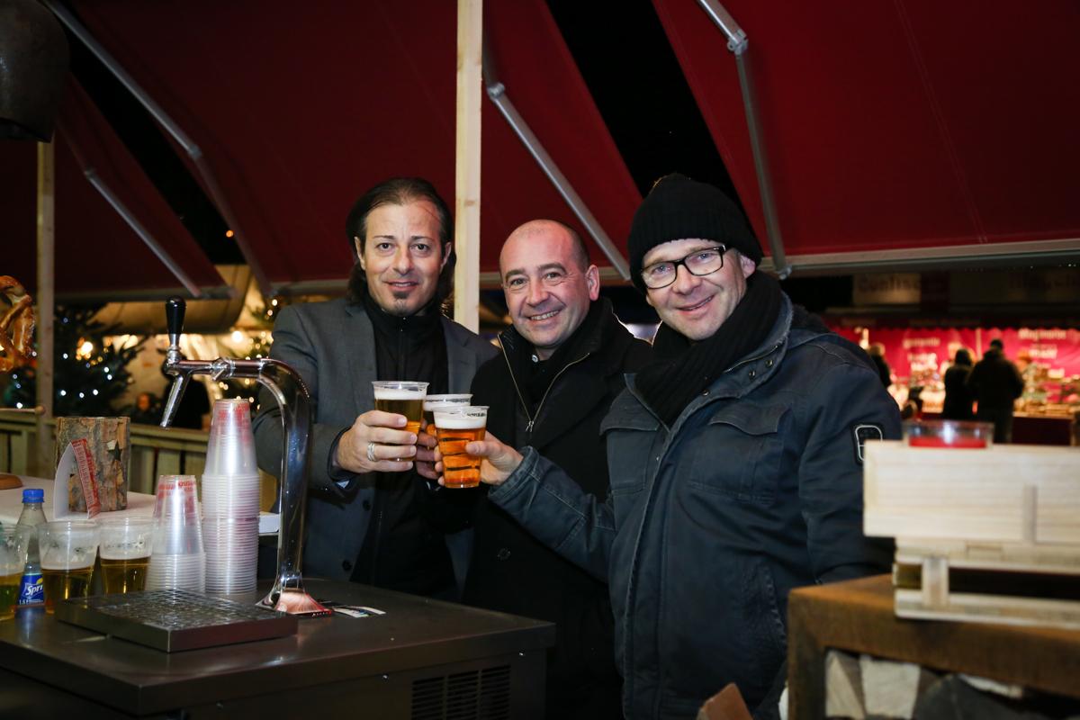 Weihnachtsmarkt_Raiffeisen_schöniaugeblick_fotografie_ostschweiz_weihnachtsmarkt_Markt_sterne_advent-38