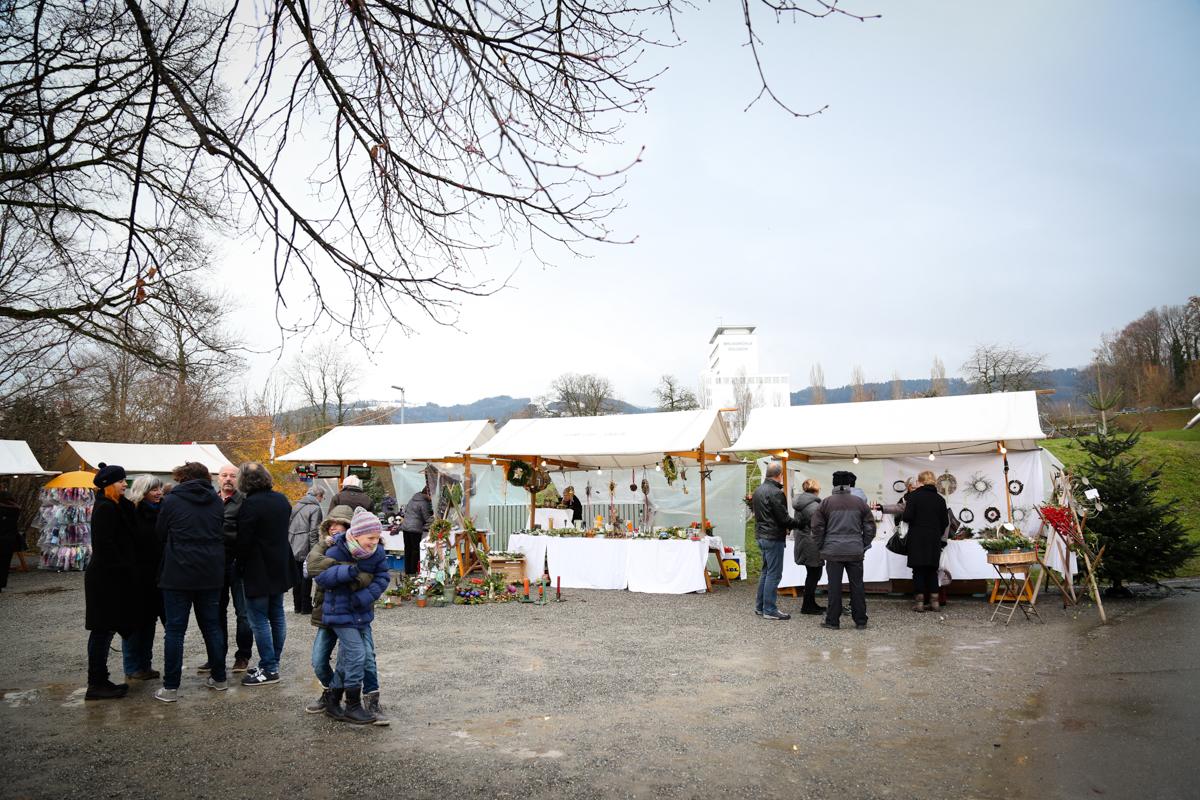 Weihnachtsmarkt_Raiffeisen_schöniaugeblick_fotografie_ostschweiz_weihnachtsmarkt_Markt_sterne_advent-50