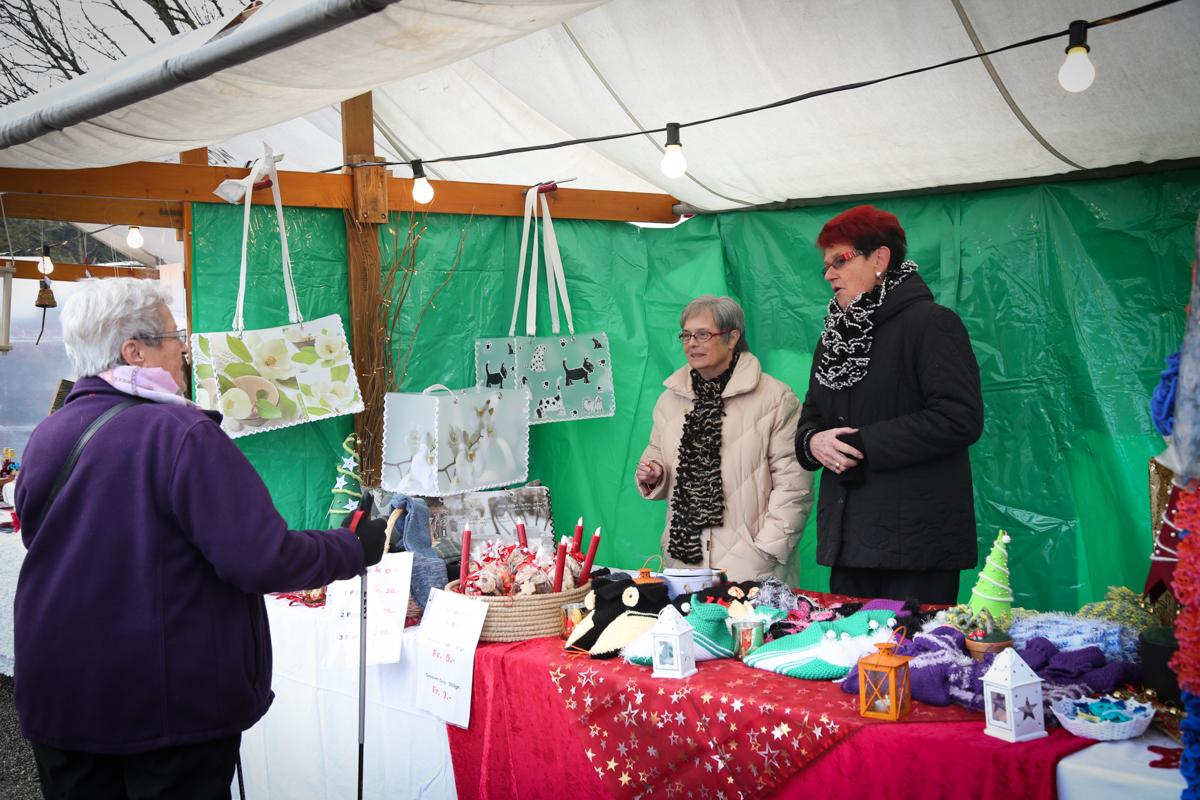 Weihnachtsmarkt_Raiffeisen_schöniaugeblick_fotografie_ostschweiz_weihnachtsmarkt_Markt_sterne_advent-64